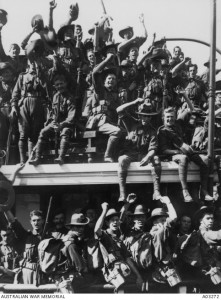 (Fig. 1) Embarkation of the AN&MEF for New Guinea, Sydney, 19 August 1914. AWM ID A03272.